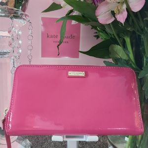 Kate Spade Pink Patent Leather Wallet 💕